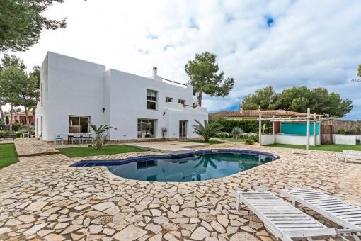 Modern, Ibiza-style villa in Sol de Mallorca with large garden