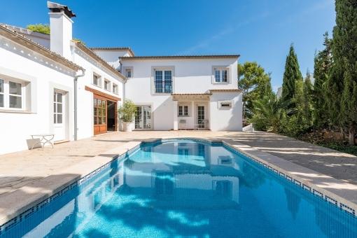 Modernisierte Villa mit Pool in ruhiger Lage...
