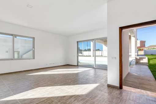 Spacious living and dining area with terrace