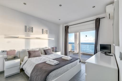 Comfortable double bedroom with terrace on the upper floor