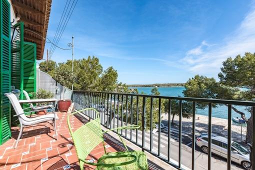 Wundervolle Terrasse der Wohnung mit Meerblick