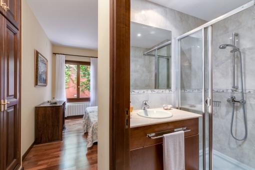Das dritte en Suite Badezimmer