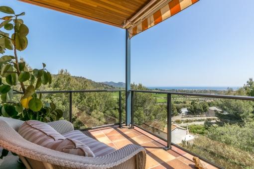 Wundervolle Terrasse mit Panorama-Meerblick