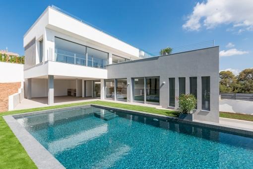 Modern, newly-built dream-villa in Nova Santa Ponsa