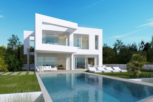 Modern villa with wonderful views on the 1st sea line in El Toro