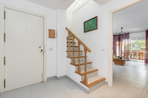 Staircase and entrance area