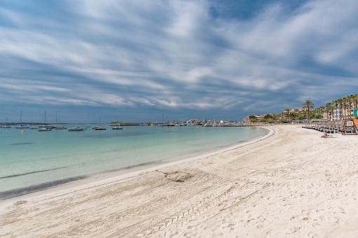 Alternative views of the beach