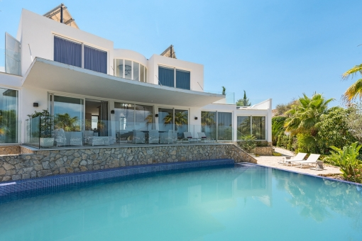 Attractive designer-villa with sea views in a very quiet location in Nova Santa Ponsa