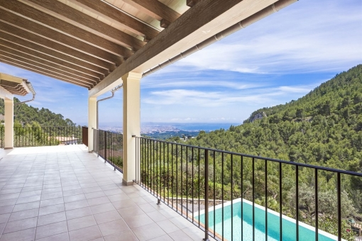 Covered veranda with sea views