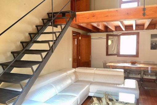 Charmante 4-Schlafzimmer-Maisonette-Wohnung in ruhiger Nebengasse im Altstadtviertel Sindicat