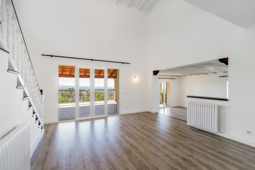 Light-flooded living and dining area