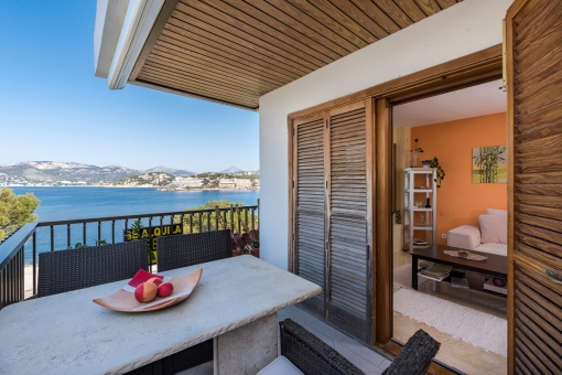 A wonderful penthouse at the front sea line with a large roof terrace in Santa Ponsa