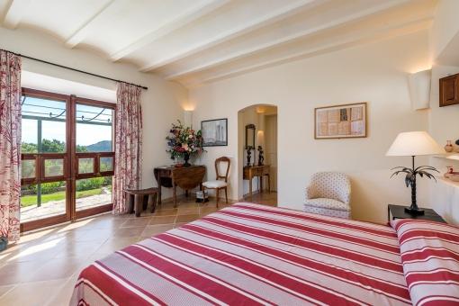 Zweites Schlafzimmer mit Landschaftsblick