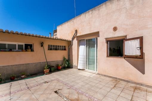 Stadthaus in ruhiger Lage in Sant Llorenc mit Ausbaumöglichkeit