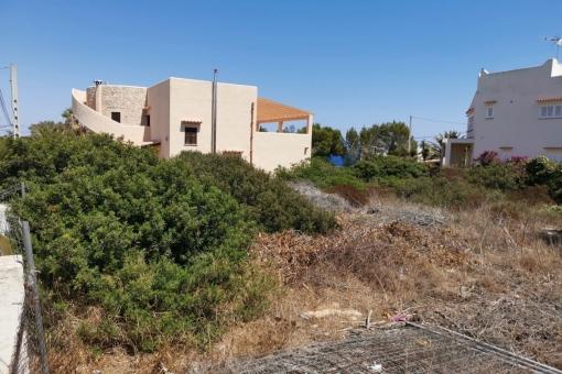 Grundstück in Cala Llombards