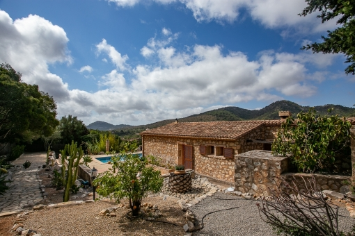 Idyllic finca with gorgeous mountain views close to Son Servera