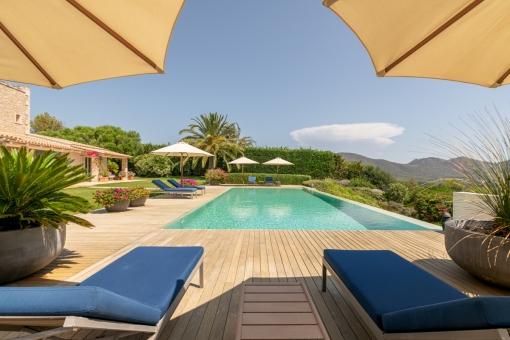 Alternative view of the dreamlike pool area