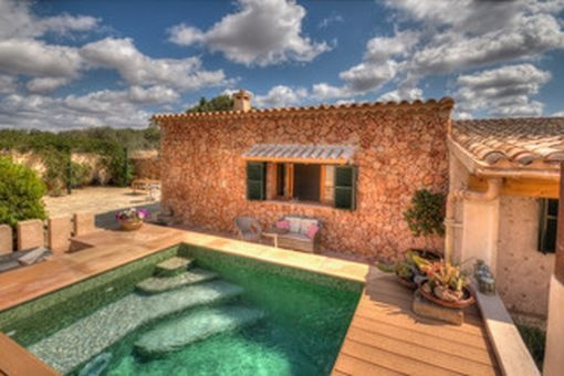 Enchanting finca with guest house and touristic rental licence in Llucmajor
