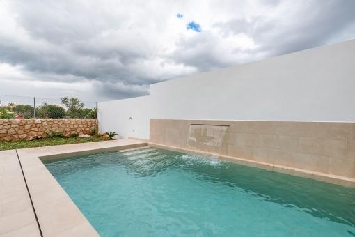Pool of 5 x 3 metres
