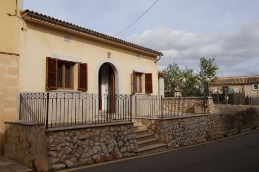 house in Biniamar