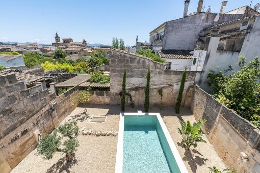 Modernes Stadthaus mit Pool in Porreres