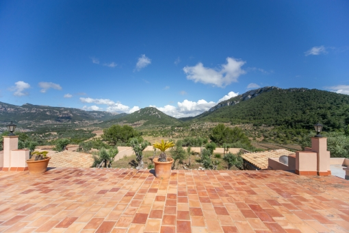 Terrace with impressive mountain views