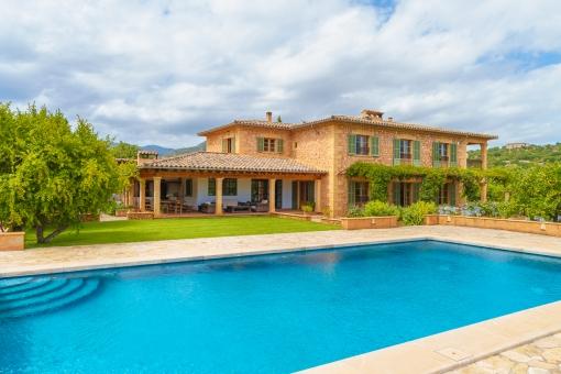 Beeindruckendes Finca Anwesen in hervorragender Lage in Santa Maria del Camí