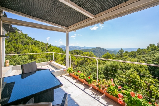 Modern villa with beautiful panoramic views in Esporles