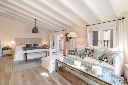 Dormitorio superior con salón