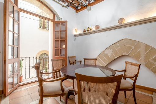 Bright, 16th-century, characterful house with parking in a quiet street in Palma's old town