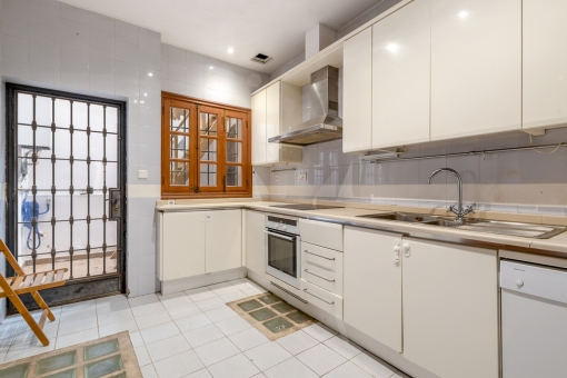 Kitchen with small patio