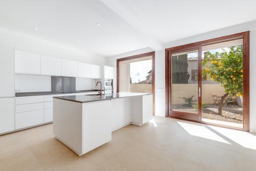 Casa de pueblo luminosa y modernizada con garaje en la mejor ubicación de Alaró