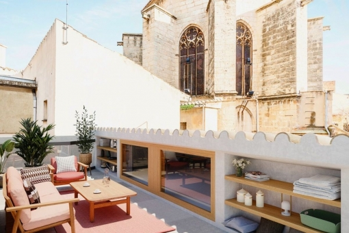Newly-built detached house with patio, terrace and parking in Palma's old town