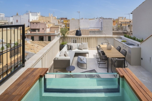 Spectacular town-house for first-occupation with roof terrace, pool, lift and garage in the heart of Palma's old quarter