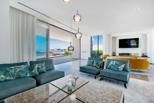 Neubau-Villa in erster Meereslinie in Port Adriano
