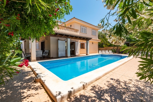 Wundervolles Chalet mit Swimming Pool und Ferienvermietlizenz in Son Serra de Marina