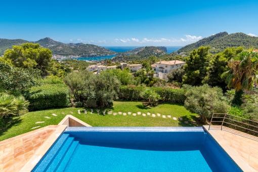 Infinity pool and garden with dreamlike views