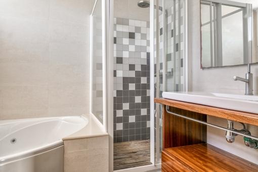 Beautiful bathroom with bathtub and shower