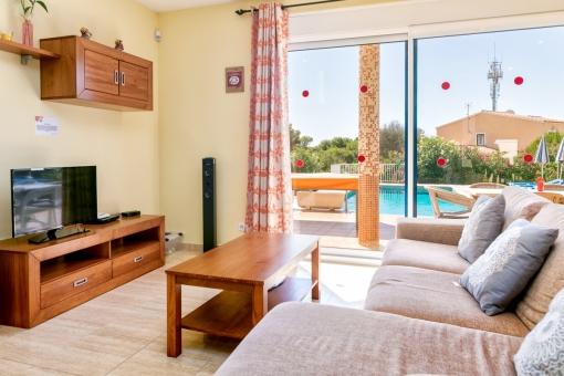 Sala de estar con acceso directo a la terraza