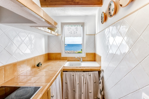 Dreamlike sea views from the kitchen