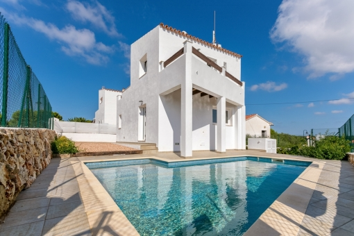 Modern, stylish villa with pool in Binibequer