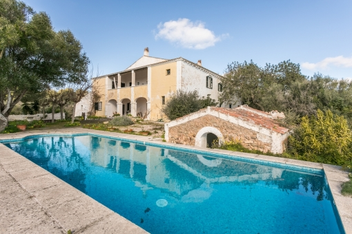 Manor house from 1789 with 70 hectares of land and unbelievable views of the area surrounding Mahon