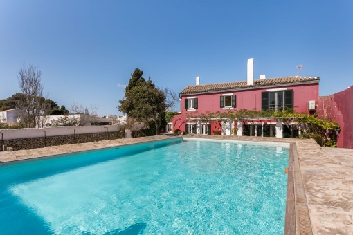 Dream house in the country only 2 minutes from Mahon
