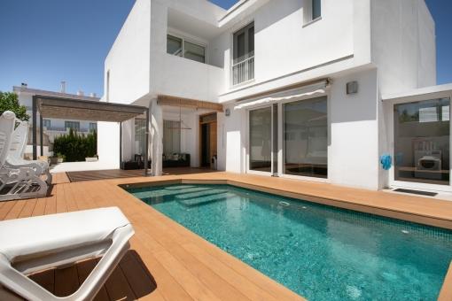 Doppelhaushälfte mit Pool im Zentrum Ciutadellas