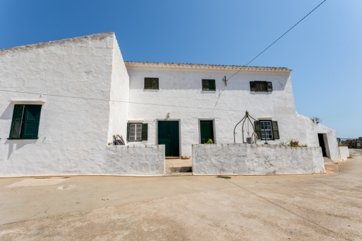 Breathtaking 40 hectare sea-view finca with outbuildings for restauration south of Sant Climent