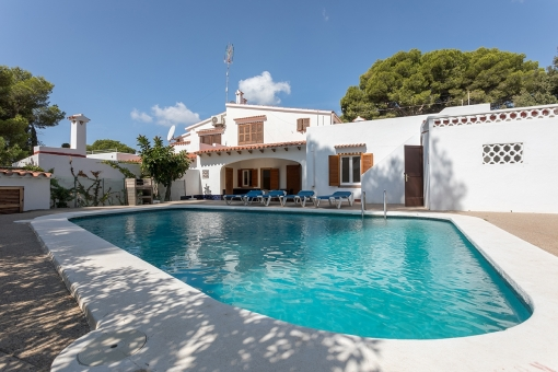 Spectacular villa in Cala Galdana with a rental licence for 9 persons