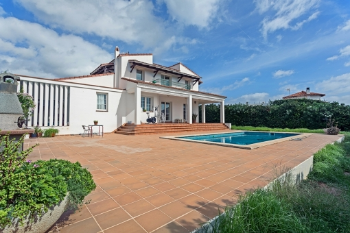 Very beautiful villa on the second sea line with pool in S'Algar