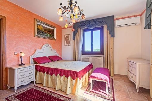 Segundo dormitorio con cama doble