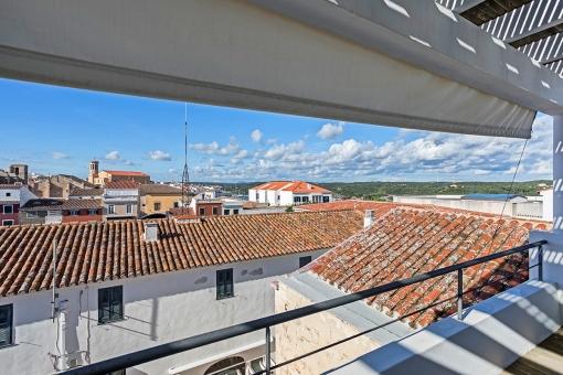 Terraza con preciosas vistas al puerto