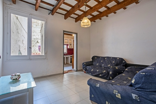 For renovation, ground floor apartment with 2 patios in Mahon next to the museum